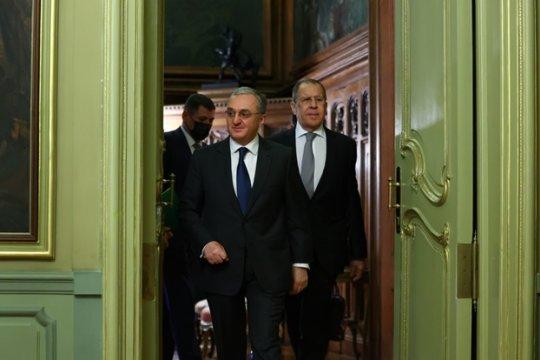 Перемирие в Карабахе не соблюдается