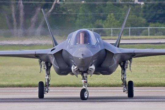 В США испытали полноразмерную модель ядерной бомбы B61-12 на самолете F-35