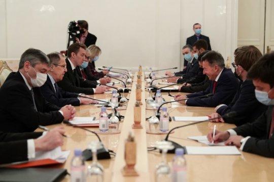 В МИД России призвали увеличить количество гуманитарных организаций в Нагорном Карабахе