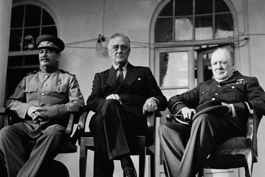 Вторая мировая война и парадоксы формирования биполярного мира