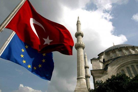 Турция вновь захотела в Европу. Почему?