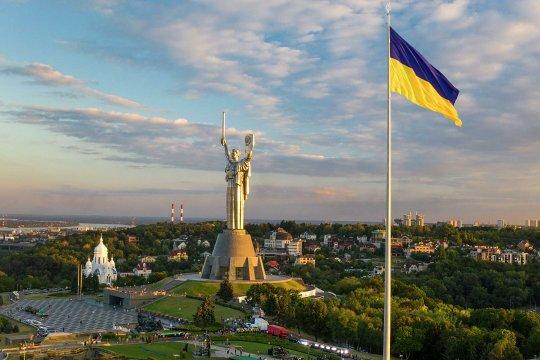Чьи вы хлопцы будете? – на Украине всегда желали победы Байдену, или Трампу…