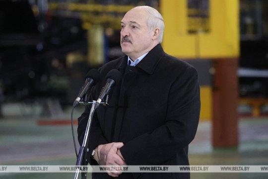 Лукашенко рассказал об американских разведцентрах в Польше и на Украине