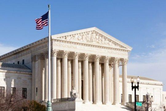 Верховный суд США отменил запрет властей Нью-Йорка на посещение культовых мест