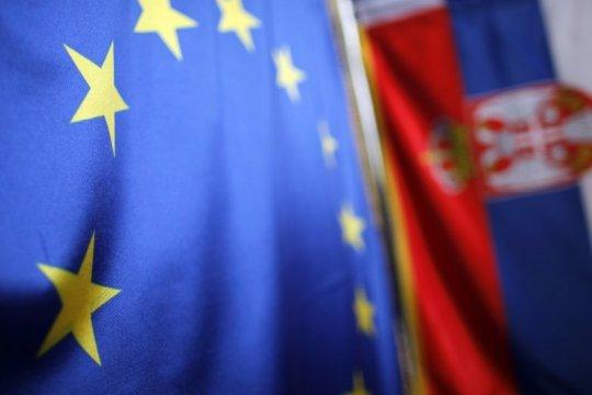 ЕС тянет на себя косовское одеяло