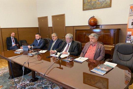 В редакции журнала «Международная жизнь» прошел «круглый стол» о перспективах развития ситуации на Украине