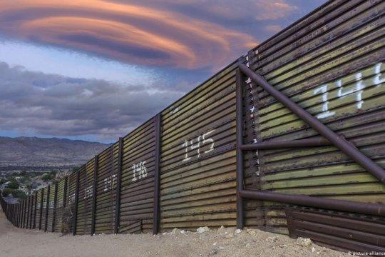 Отказ США от строительства ограждения на границе с Мексикой позволит сэкономить 2,6 млрд. долларов