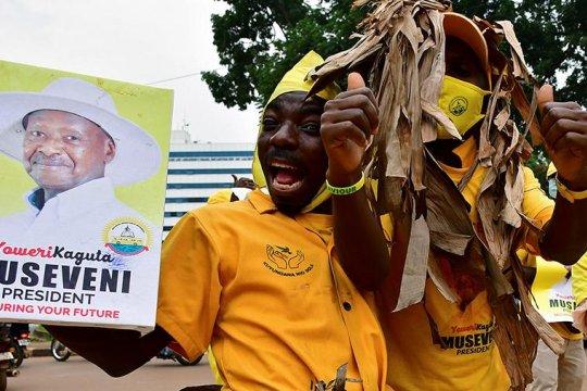 Власти Уганды обвинили посла США в подрывной деятельности