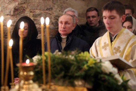 Владимир Путин поздравил православных христиан с Рождеством Христовым
