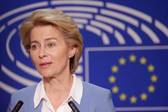 Глава Еврокомиссии призвала  страны ЕС поделиться вакцинами от COVID-19 с Украиной