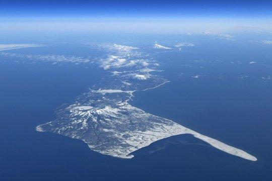 Японские власти заявили о готовности вести настойчивые переговоры с РФ по Курилам