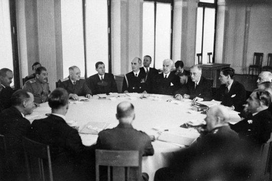 ЯЛТА 1945: А.А. Громыко о репарациях в пользу СССР