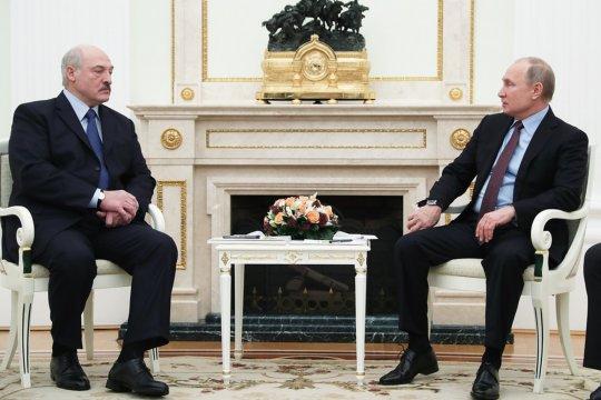 Путин примет Лукашенко 22 февраля