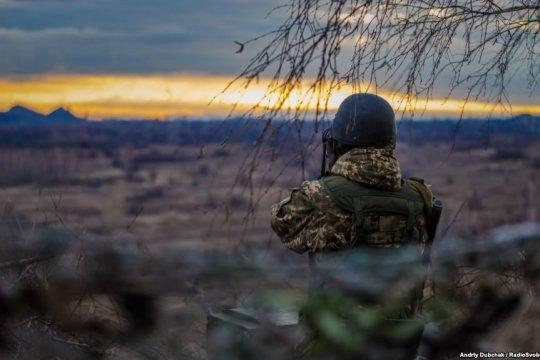 Украина пока не будет выходить из режима перемирия в Донбассе – Арестович
