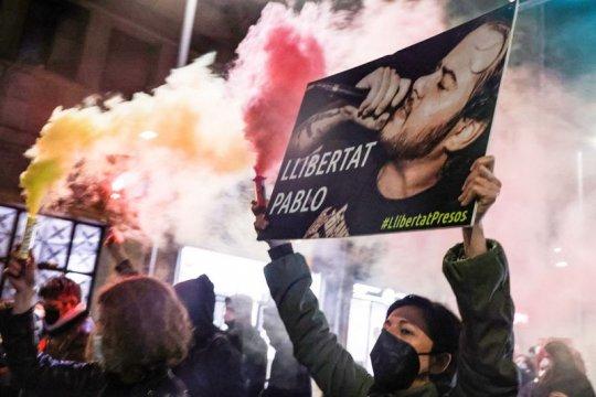Испания: за что же рэпера отправили в тюрьму?