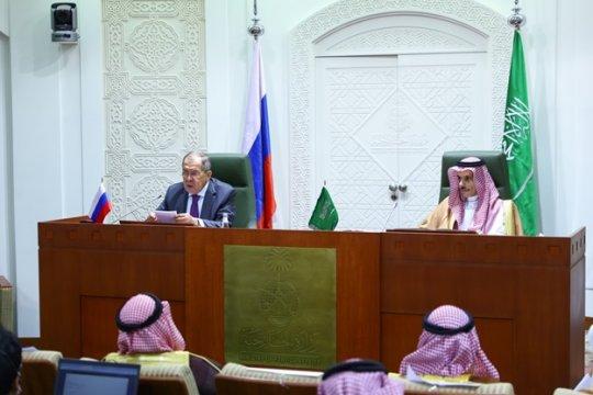 Лавров: Прекращение поставок оружия не гарантирует мира в Йемене