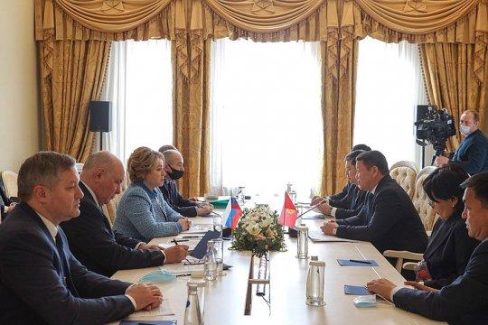 Председатель Совета Федерации В. Матвиенко провела переговоры с Председателем Жогорку Кенеша Киргизии Т. Мамытовым