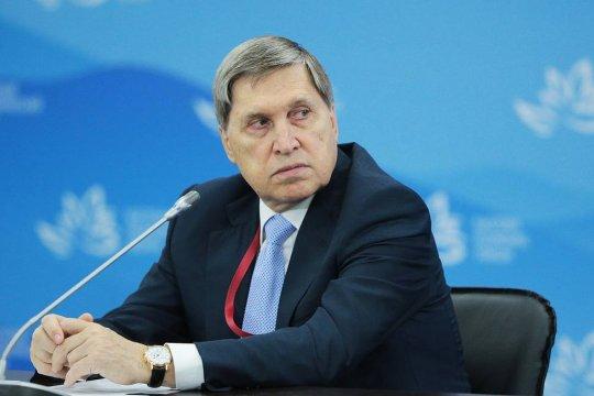 Ушаков рекомендовал послу США в России поехать в Вашингтон для консультаций