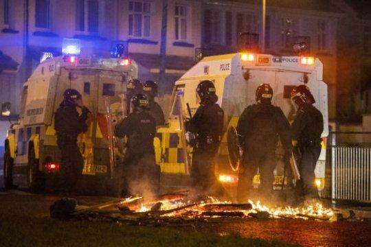 В Северной Ирландии вспыхнули беспорядки