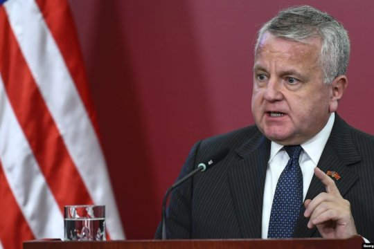 Посол США в России подтвердил отъезд в Вашингтон