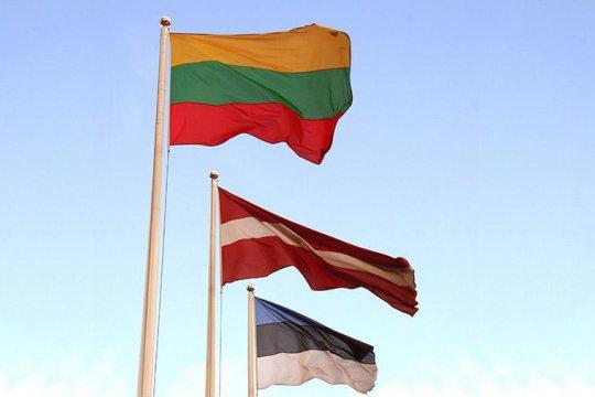 Власти Литвы, Латвии и Эстонии высылают российских дипломатов в знак солидарности с Чехией