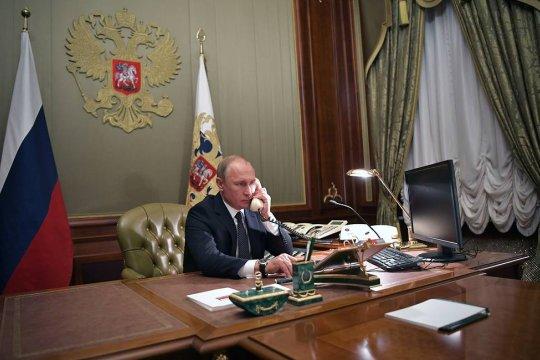 Путин и Лукашенко обсудили российско-белорусские отношения и ситуацию в Карабахе