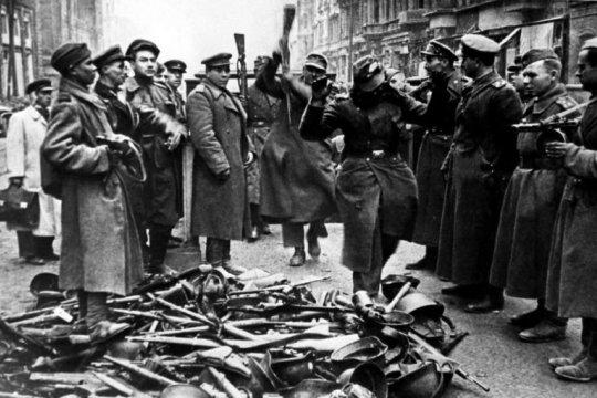 «Здесь на последнюю встречу собралась вся Европа»: как иностранные легионеры защищали Берлин от Красной Армии