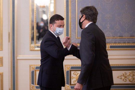 Визит Госсекретаря США Блинкена в Киев: надежды без результатов