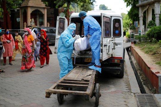 В Индии зафиксирован очередной пик смертности от Covid-19