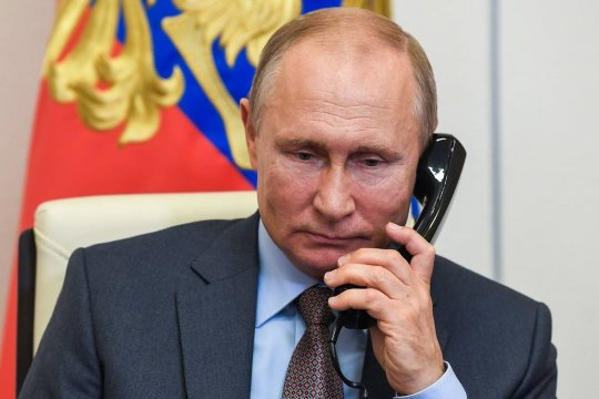 Путин провел телефонный разговор с президентом Туркменистана