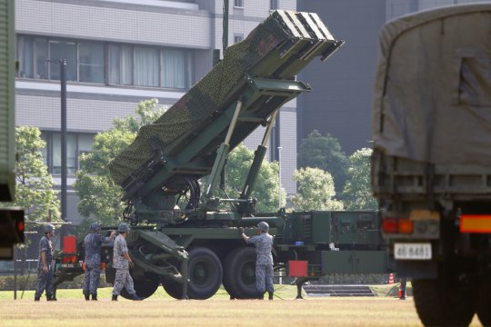 Япония: правительство приняло решение о мерах по господдержке экспорта продукции военного назначения