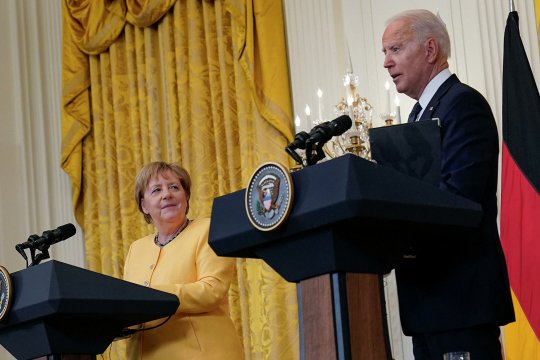 Теплая атмосфера разногласий - канцлер ФРГ Ангела Меркель побывала в Вашингтоне