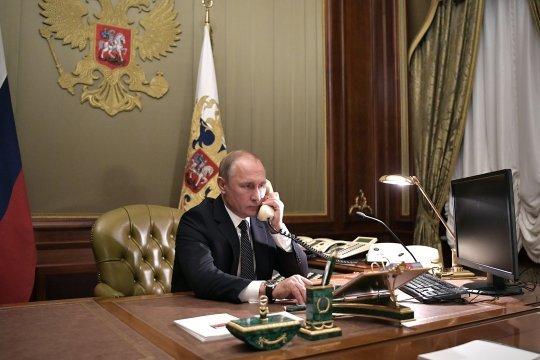 Байден и Путин провели телефонный разговор