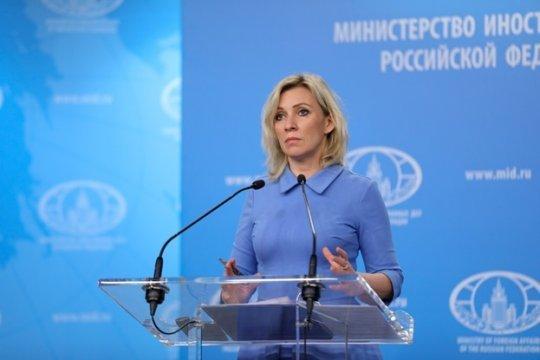 Захарова назвала абсурдным заявление главы МИД Франции об отсутствии неонацизма на Украине