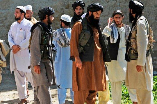 Более 80 афганских военных перешли границу Узбекистана