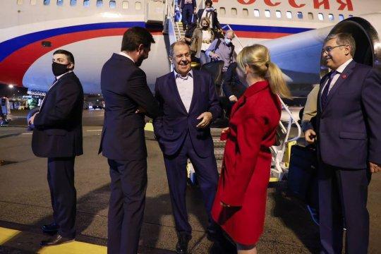 Сергей Лавров прибыл с визитом в Венгрию