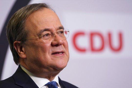 Кандидат в канцлеры ФРГ Лашет пригрозил России новыми санкциями из-за Украины