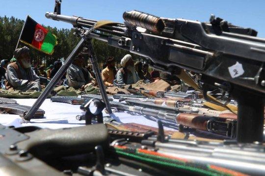 В Афганистане продолжаются бои за ряд крупных городов