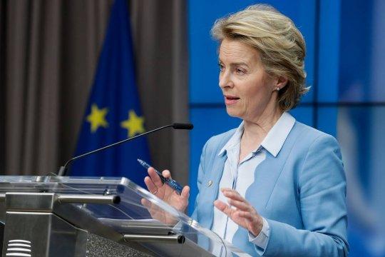 Глава Еврокомиссии заявила о нехватке данных для одобрения «Спутника V» в ЕС