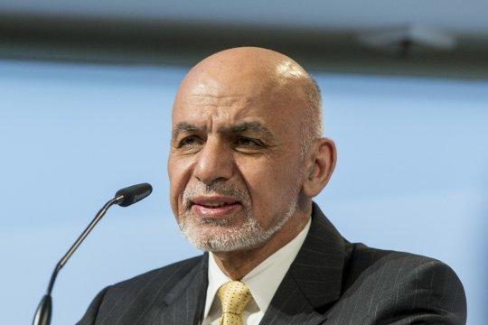 Бывший президент Афганистана с семьёй находится в ОАЭ