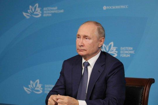 Путин призвал учитывать реалии в вопросе признания правительства талибов