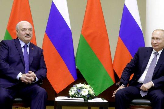 Путин сообщил о согласовании 28 союзных программ России и Белоруссии