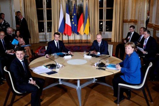 Источник: Действия Украины в «нормандском формате» угрожают Минским соглашениям