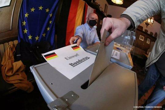 Предварительные итоги выборов в ФРГ: СДПГ уходит в отрыв