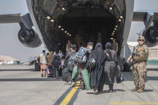 Талибы разрешили покинуть Афганистан группе иностранцев