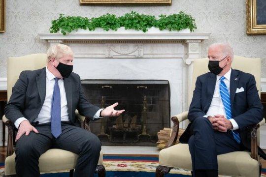 Джонсон и Байден договорились о подходе к России и КНР на основе общих ценностей Британии и США