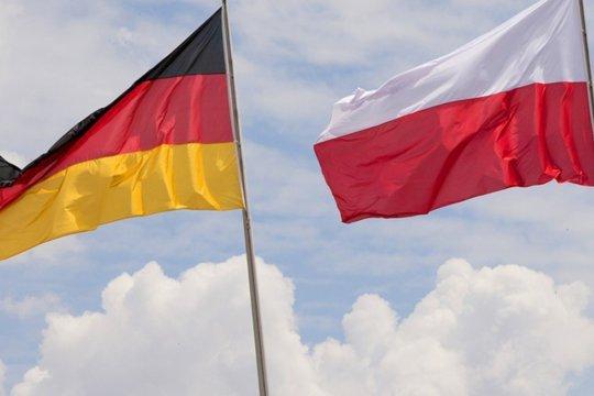 Евродепутат обвинил Меркель в обмане Польши