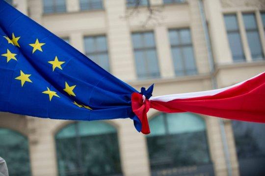 Польша ищет спасения от Брюсселя