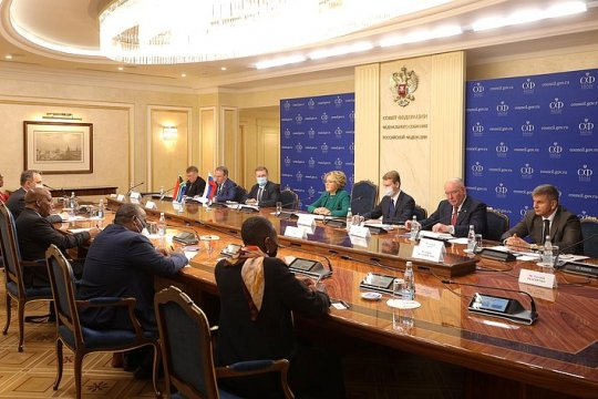 Председатель СФ В. Матвиенко провела встречу с Председателем Национального совета провинций Парламента ЮАР А. Масондо