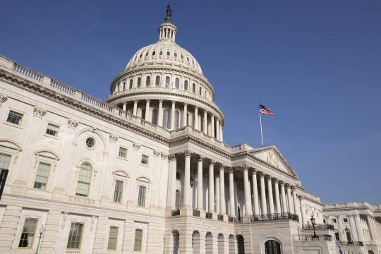 Американские законодатели предложили рассмотреть возможность санкций против 35 россиян